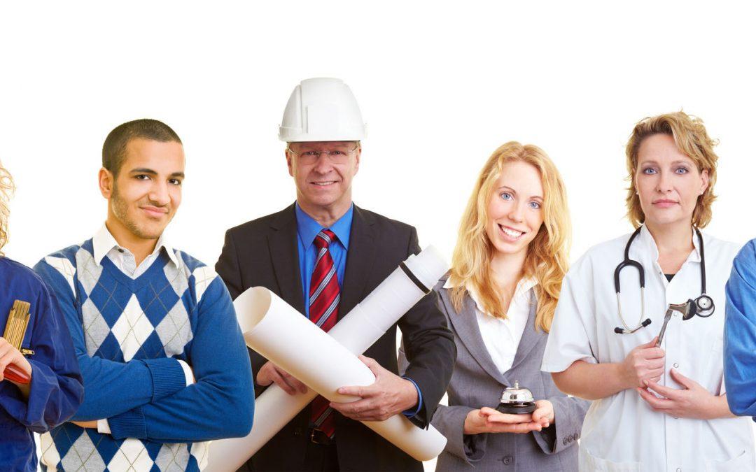 El Gobierno aprueba casi 2.000 millones para cheques y formación profesional
